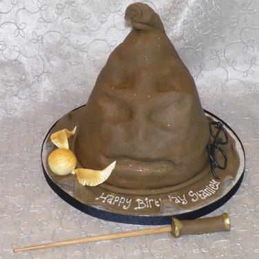 25-Sorting-Hat-Cake.jpg