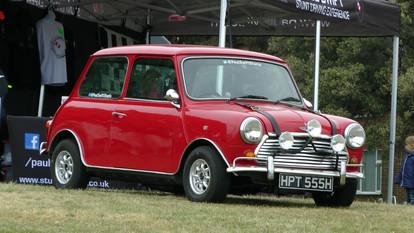vintage-classic-mini-car-min.jpg