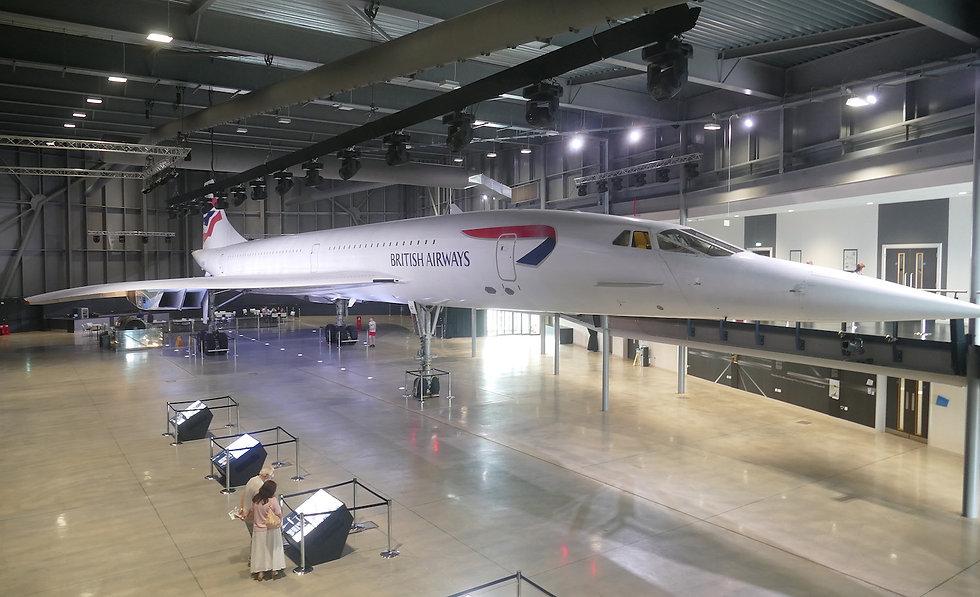 Ex-British_Airways_Concorde_216_(G-BOAF)