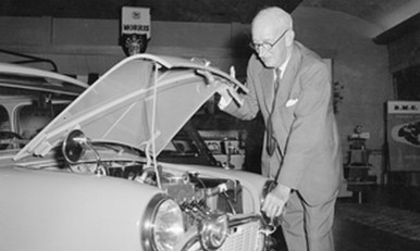 sir-leonard-lord-inspects-the-engine-of-