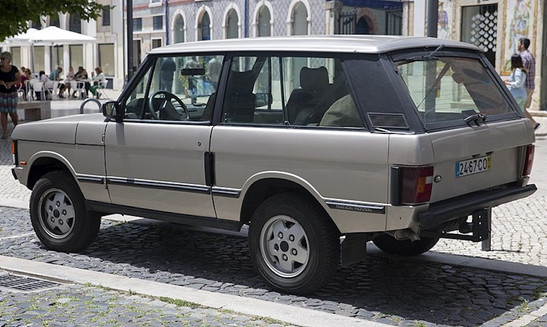 800px-1993_Range_Rover_three-door_in_Lis