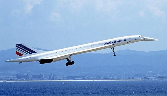 800px-Concorde_1_94-9-5_kix_(cropped).jp