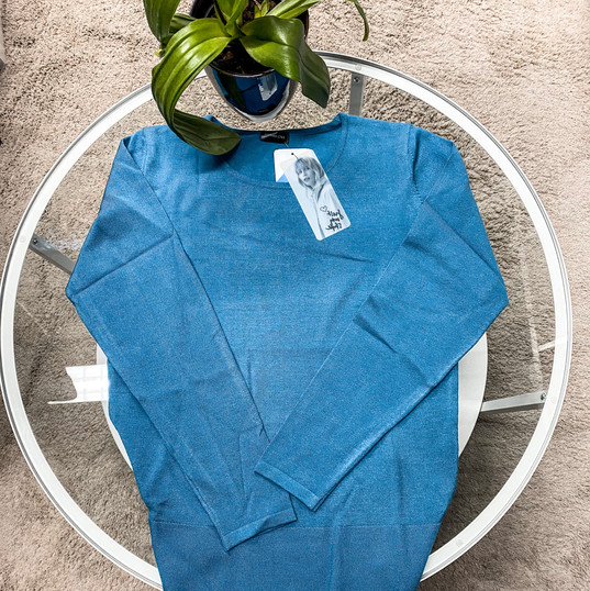 Barbara Lebek, Sweater blau