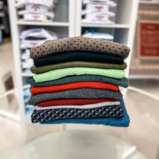 Pullover, Auswahl Größe M