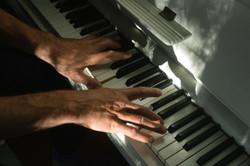 Marius-pianist---bilde-hender-Hurdalsgt.