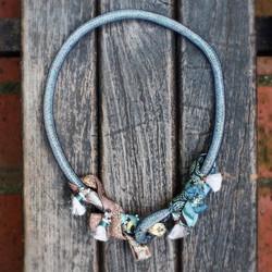| AR127| Shimmer tassels neckpiece