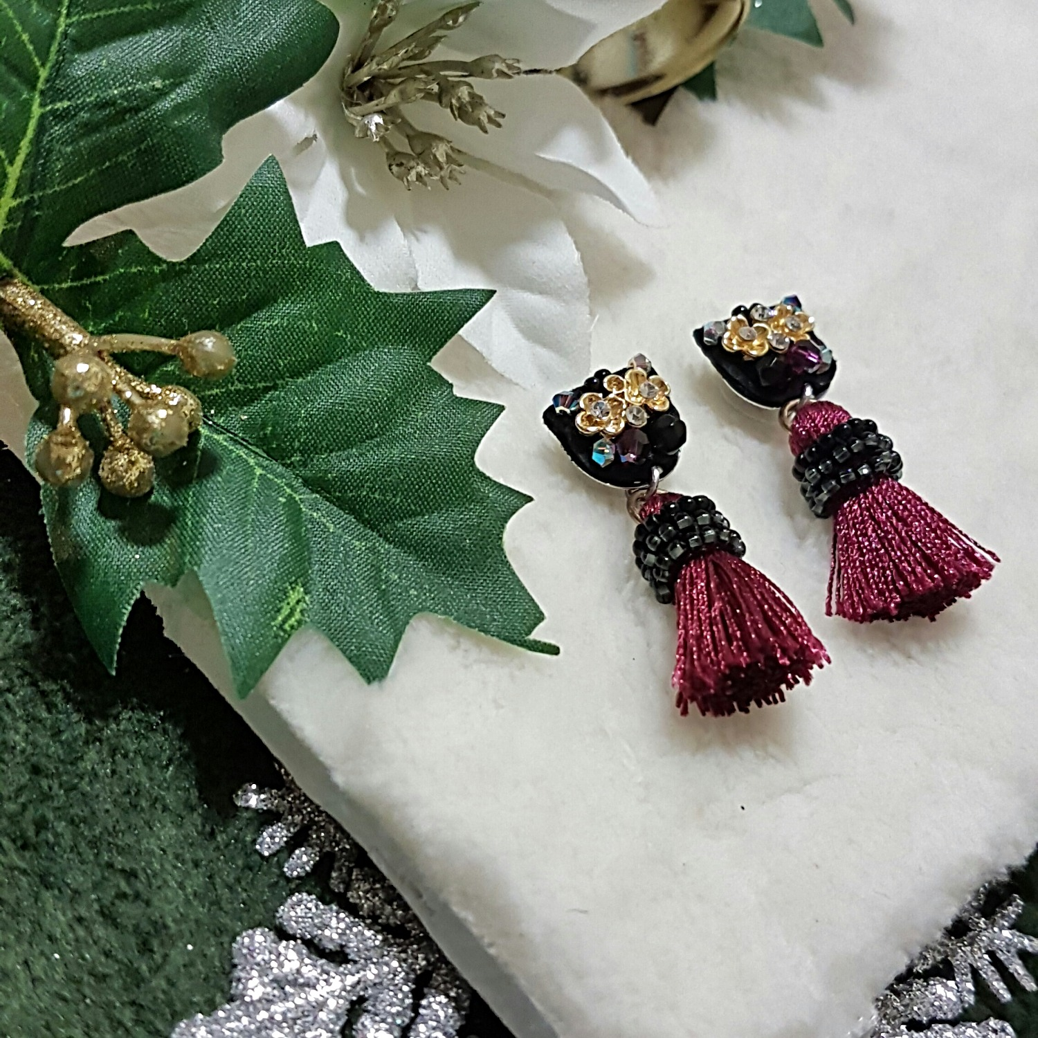 | ARS004 | Wine Red Earrings