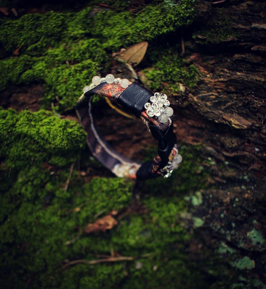 Gold autumn obi buckle bracelet