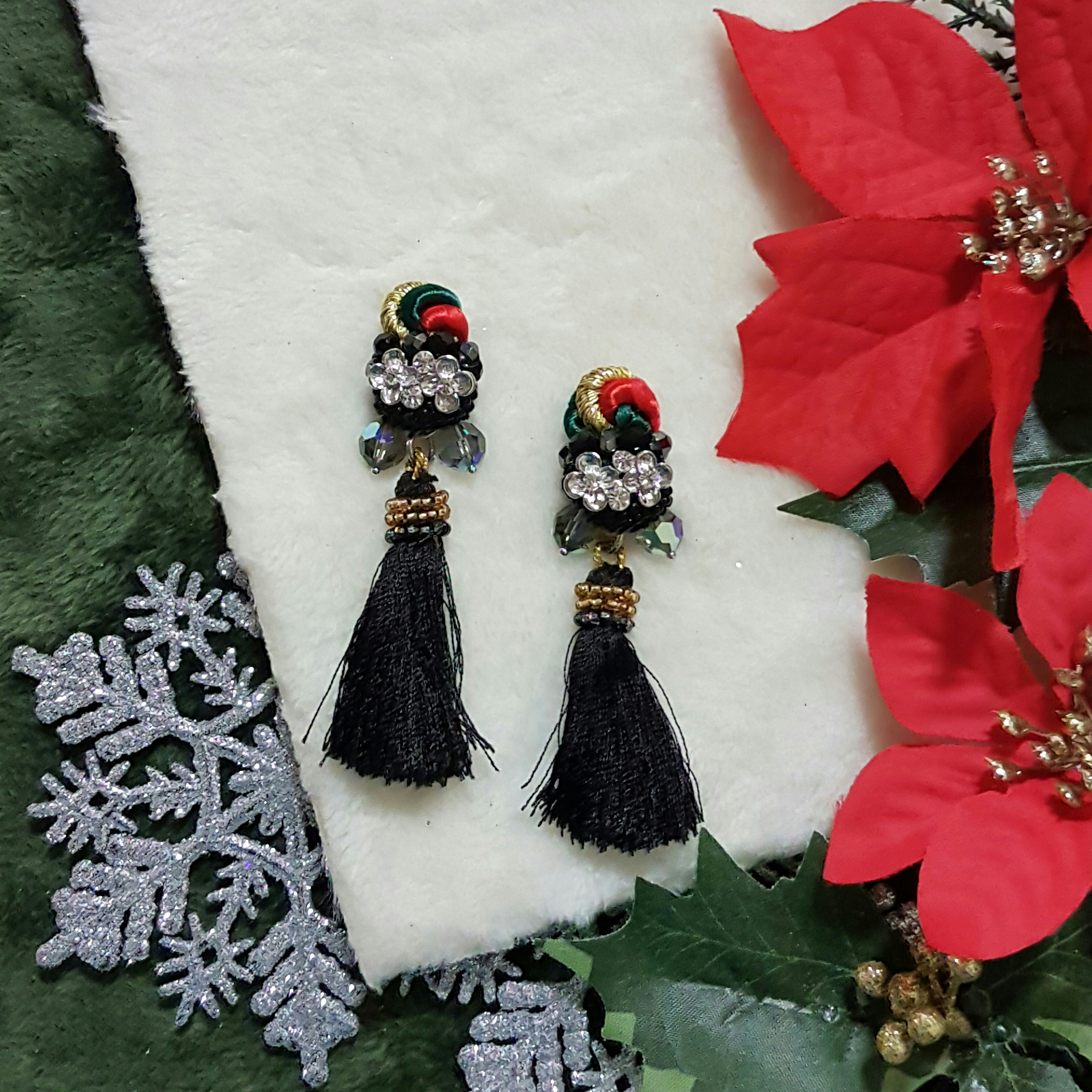| ARF028 | Festive Earrings