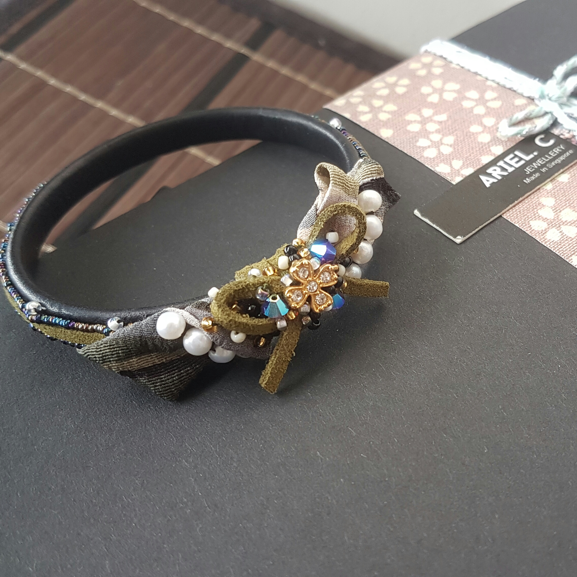 | ARF028 | Kimono Bangle Olive Green