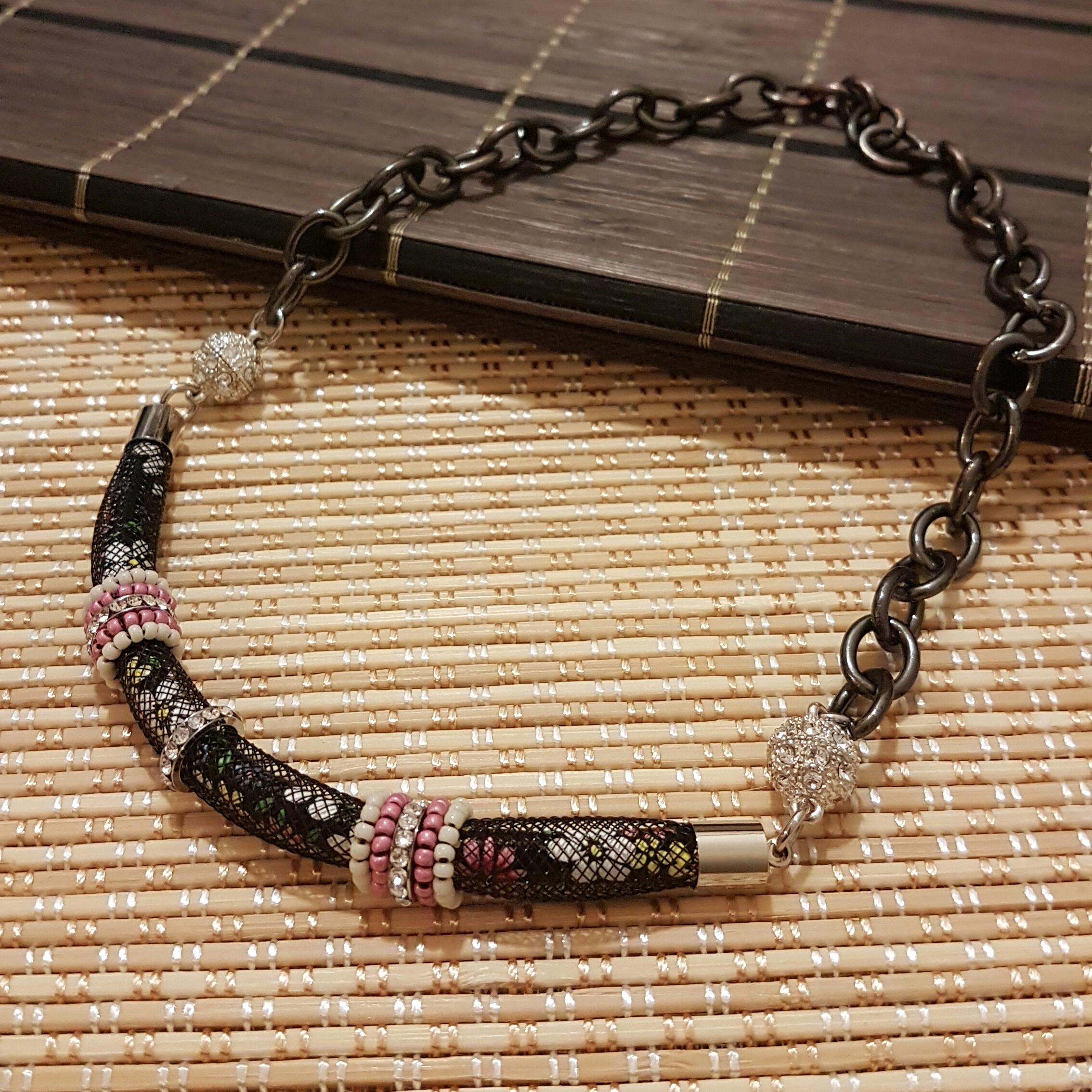   ART015   Floral Necklace