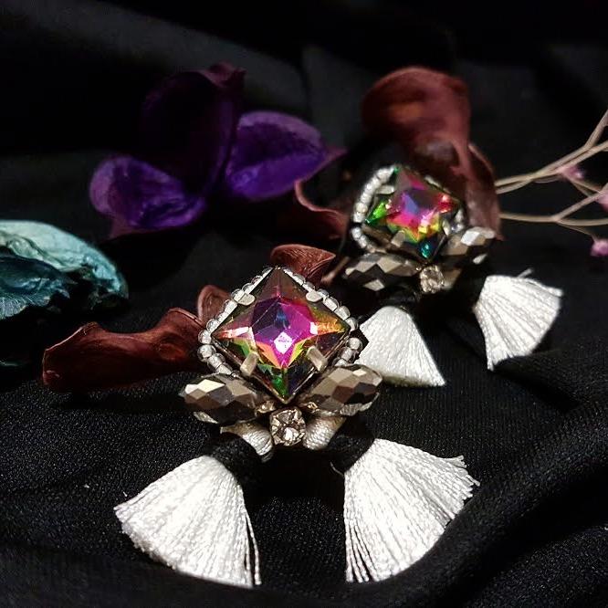 | ARF019 | White hologram earrings