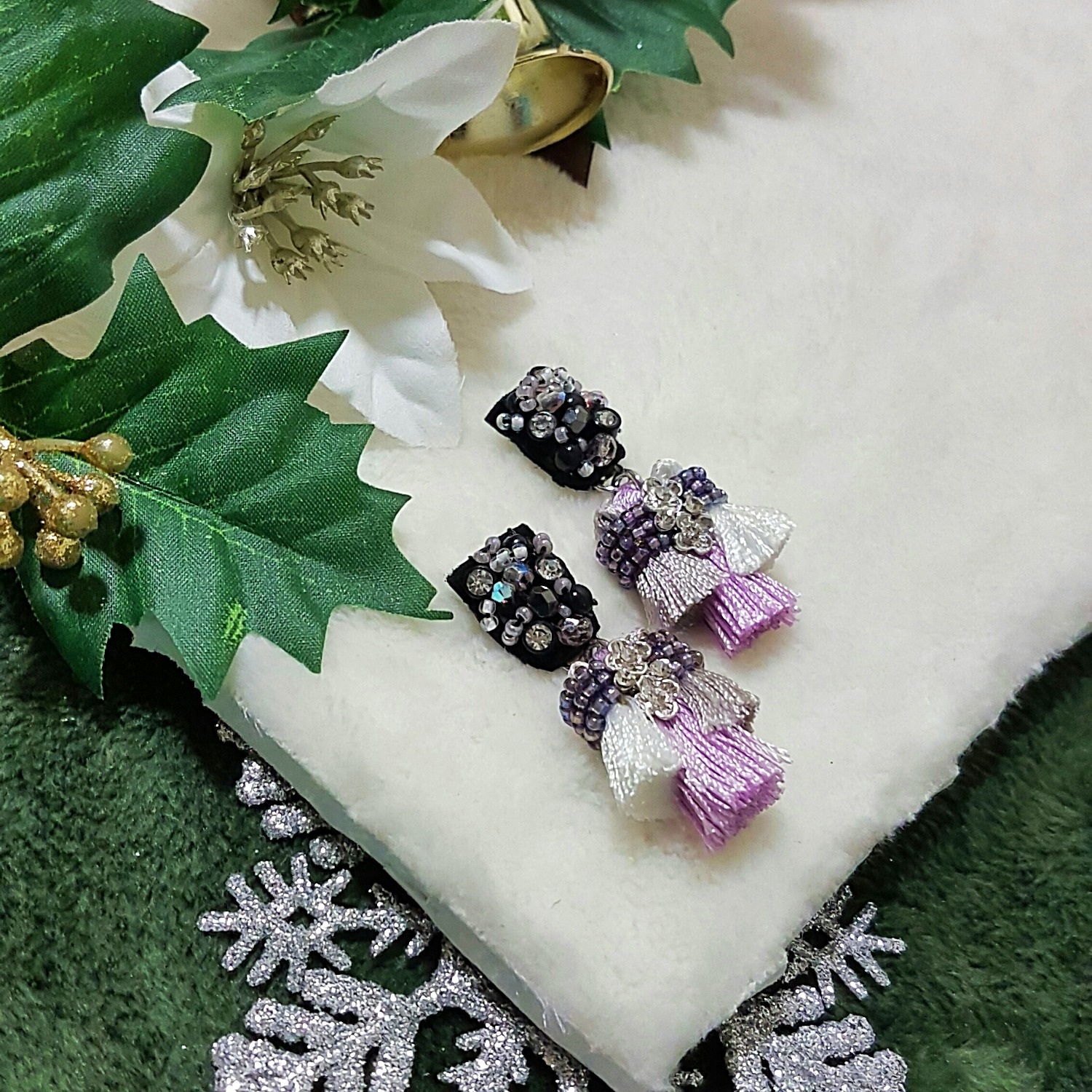 | ARS011 | Trio Lilac Earrings