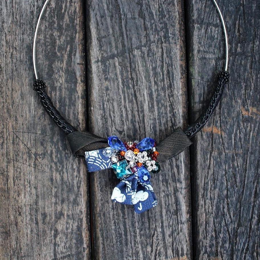 | AR109 | Bangle Necklace