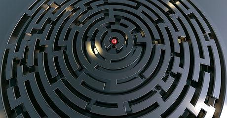 labyrinth-2037903_1920.jpg
