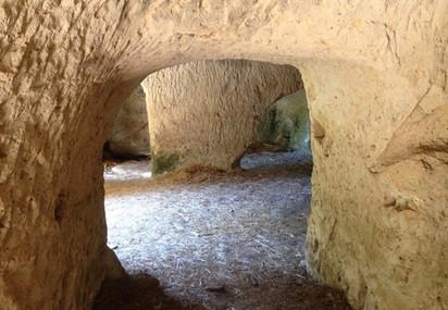 Великолепная Италия. Часть 13-я. Городки на туфовых скалах  Сована и Сорано. Улицы-пещеры этрусков V