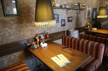 Две едальни Ельца - кафе Лондон и кафе Джем.