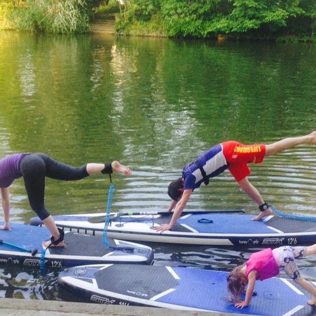 Family Yoga upon the Thames