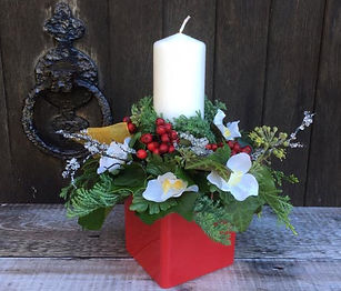 20-christmas-table-centrepiece-1.jpeg