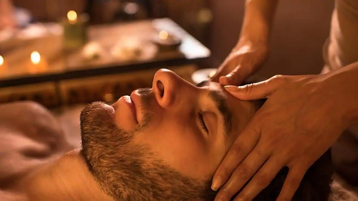 close-the-spa-massage-man-receiving-faci