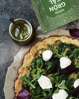 Grönkålspesto på blomkålspizza.jpg