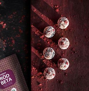 Hasselnötsbollar med rödbeta