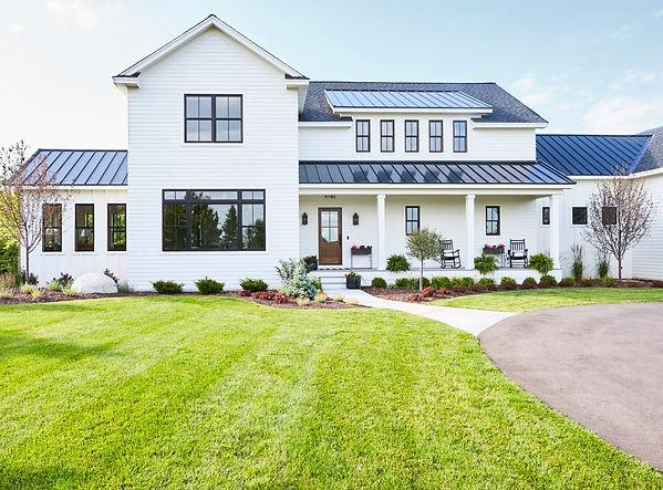 184-1849209_modern-farmhouse-metal-roof.