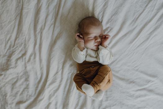 Neugeborenen Shooting (5 von 13).jpg
