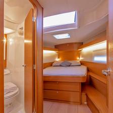 Fwd cabin (1).jpg