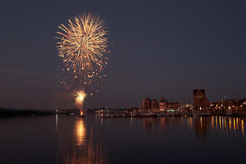 Titelbild fireworks by natalie krautkraemer