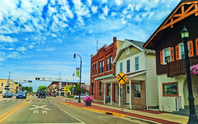 Driving-on-Main-Street-in-Waunakee-Wisco