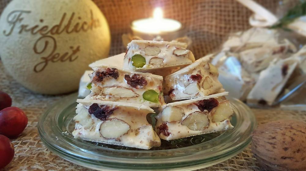 Torrone, weißer Nougat, Pistazien, Mandeln, Cranberries, Nougat, Honig, Italien, Süßigkeiten, Geschenke aus der Küche, Küstencookie, Kuestencookie