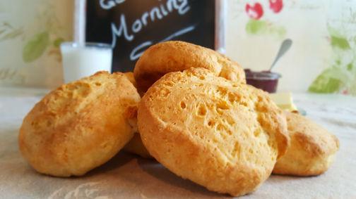 Schnelle Buttermilchbrötchen oder: Biscuits und Geschmacksverwechslungen🥛