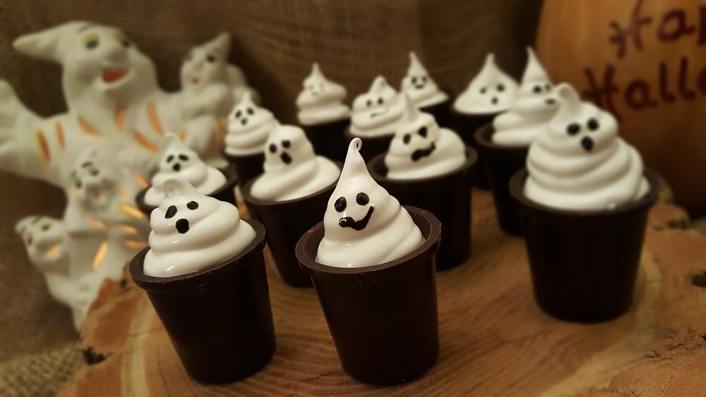 Halloween, Schaumküsse, Geister, Baiser, Gespenster, Nobake, Küstencookie, Kuestencookie, Dessert, Eierlikör, Schokoladenbecher
