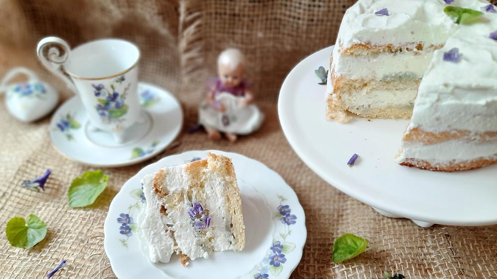 Veilchentorte, Veilchen-Mandel-Torte, Veilchen, Wildkräuter, backen, Rezept, Küstencookie, Kuetencookie
