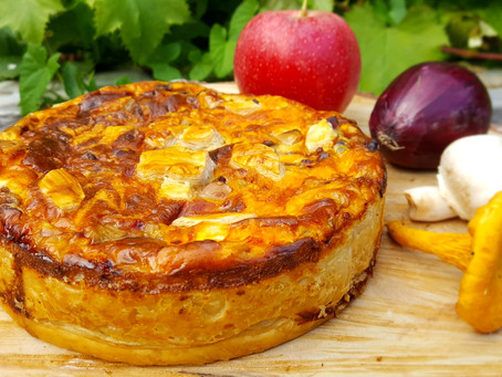 ApfelköstlichZeiten: Schnelle herbstliche Apfel-Champignon-Quiche 🍏🍄🧀