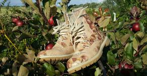 ApfelköstlichZeiten: Was Stiefel und Apfel-Nuss-Schichtkuchen miteinander zu tun haben👢🍎🌰