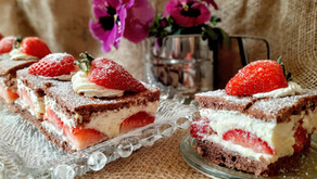 Erdbeer-Vanille-Traumschnitten 🍓