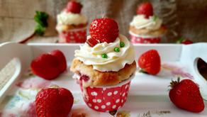 Erdbeer-Rhabarber-Cupcakes 🍓