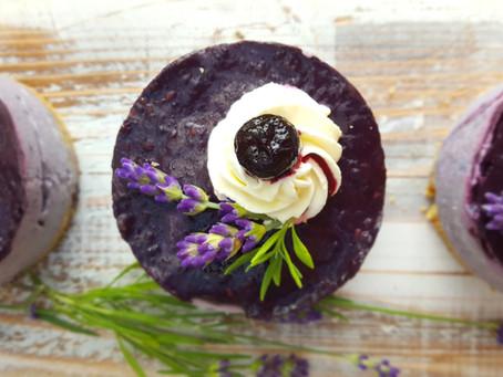 Entspannung auf dem Kuchenteller: Heidelbeer-Lavendel-Törtchen 💜