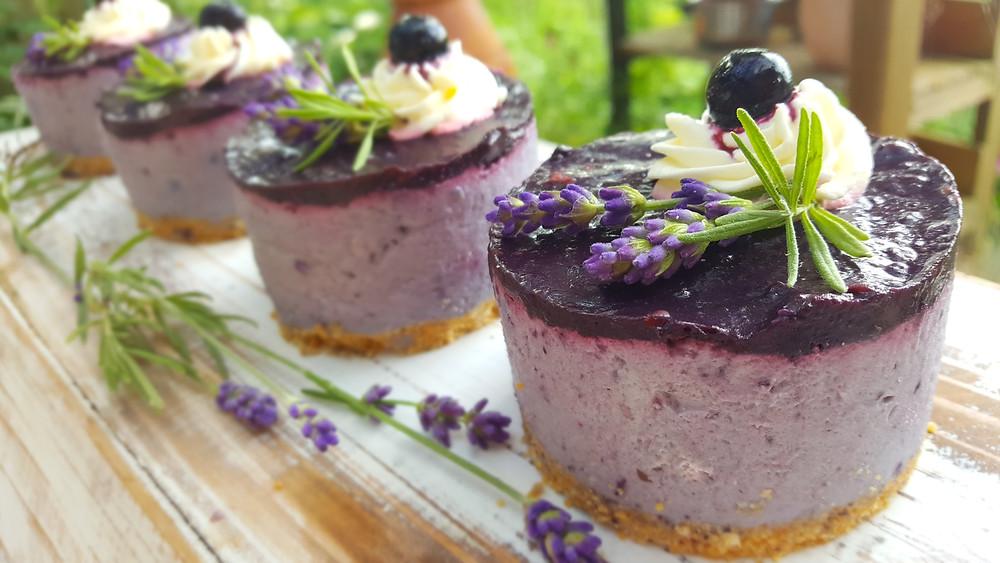 Heidelbeeren, Lavendel, Nobake, No Bake Cake, Mini-Törtchen, Rezept, Frischkäse, Cheesecake, Provence, Küstencookie, Kuestencookie