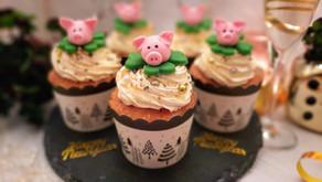 Happy New Year! Champagner-Cupcakes - mit Anleitung für Glücksschweinchen 🐷