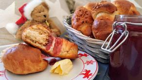 1. Advent: Weihnachtsmarkt zum Frühstück! Gebrannte Mandel-Hörnchen und Halleluja-Marmelade 🌟
