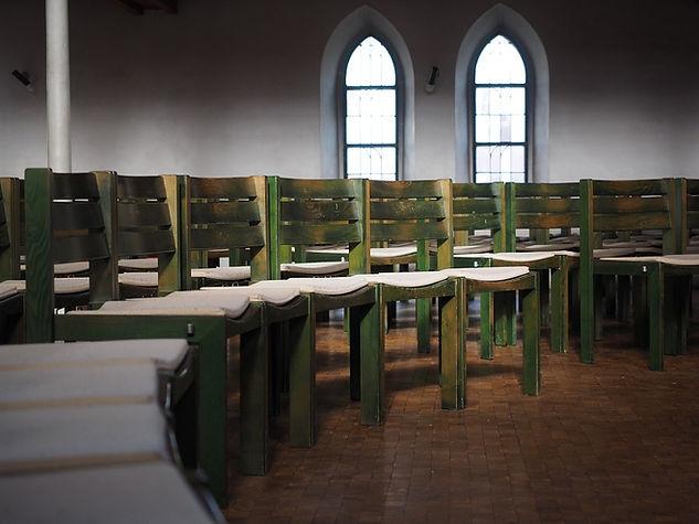 chairs-1024851_960_720.jpg
