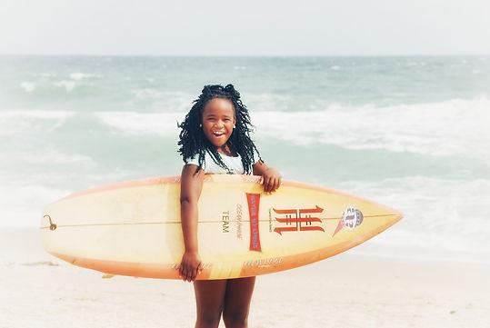 ¡100 Girls!_SurfearNEGRA.jpeg