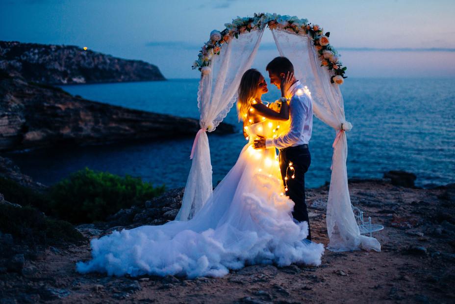 Символическая церемония Надежды и Алексея на закате и фототур по острову