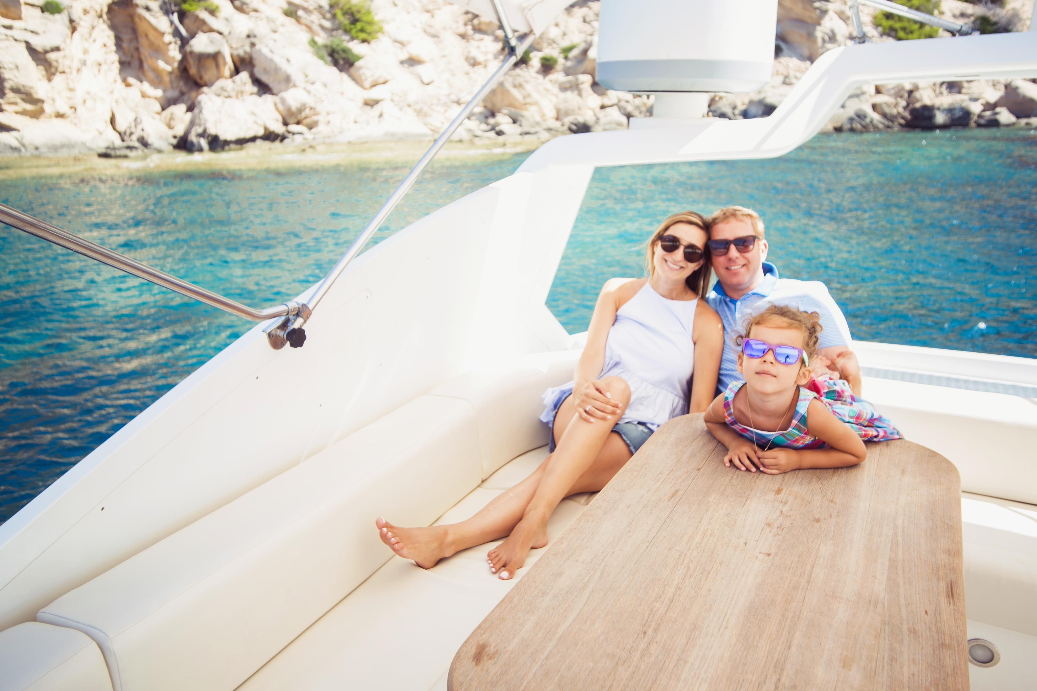 Семейная фотосессия на яхте