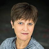 Pamela-Hollings-Headshot-077web.jpg