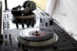 Pic_Turntables_Focus_Front_m4huCt4p0Qr7FcJDMZZ6kGzTanD8Po8R6q_hFHgVFnk