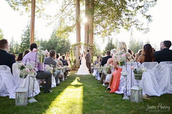 Pic_Wedding_Outside_Green_2Gt5-QwfkVixuiyU6q_kd3D9nHqb2sxinwN8hfuVa4I